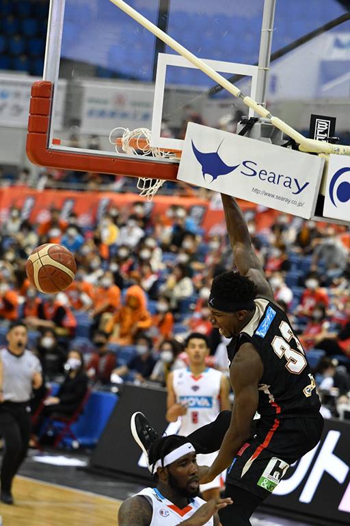 【大阪エヴェッサ】アイラ・ブラウン選手がBリーグオールスターゲームのダンクコンテストに出場決定